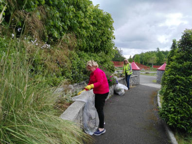 The Litter Mug team cleaning up the Sensory Garden in Sean Walsh Park